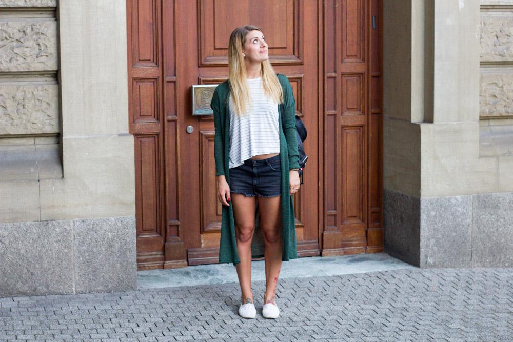 schwarze Shorts und Long Cardigan H&M 1