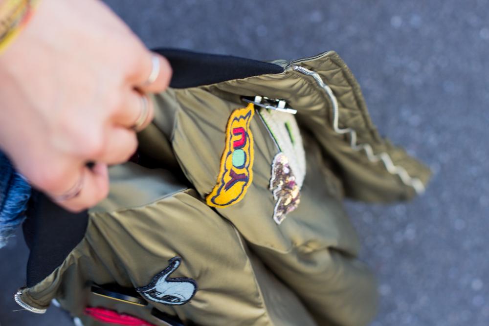 zara-bomberjacke-und-jeans-shorts-10