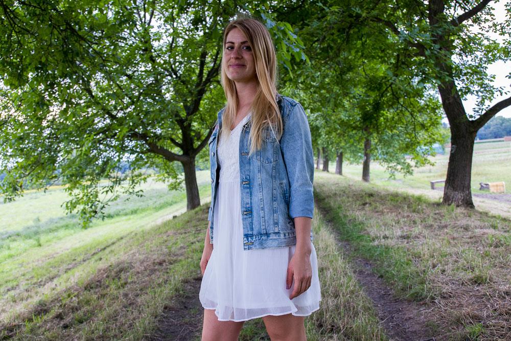 Weisses Sommerkleid Mit Jeansjacke Gooseberry Pictures